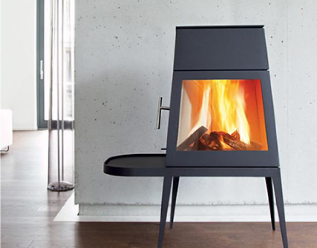 薪ストーブと暖炉の違い