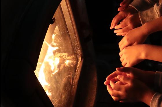 焔の暖かさに触れる